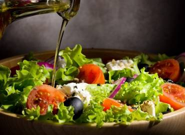 Greek And Italian Food Makes You Smarter, Scientists Say.